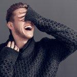 Sweater memang berguna untuk memberikan kehangatan sekaligus membuat tampilanmu lebih rapi dan maskulin. Apalagi penggunaan sweater sangat tepat dipakai saat musim hujan seperti ini. Ingin membelinya? Simak dulu ulasan sekaligus rekomendasi sweater pria terkece berikut ini.