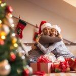 大学生の女友達に喜ばれる人気のクリスマスプレゼント10アイテムを、【2019年度最新版】ランキング形式で紹介いたします。また、大学生の女友達がプレゼントに貰って嬉しいクリスマスプレゼントといえば、コスメやバスソルトなどの癒し系グッズ、おいしいスイーツなどがあげられますが、喜んでもらえるプレゼントを選ぶポイントや予算・相場などをわかりやすくまとめました。ぜひ喜んでもらえるプレゼント選びにご活用ください!