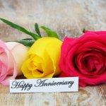 革婚式は結婚生活3年目にさしかかった夫婦が、レザーのアイテムを贈り合うイベントのことを言います。  今回は、革婚式のプレゼントとして人気をアイテムを、【2019年度 最新版】人気プレゼントランキングとして紹介しています。 革婚式は、長く愛用でき、使うほどに風合いが増していく革という素材にならったイベントですので、その趣旨から外れぬよう、ハイクオリティなレザーが使われたアイテムをセレクトしましょう。 夫婦の絆を強くし、プレゼントする側・贈る側どちらにとっても嬉しくなるような一品を選んでみてください。