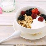 Yoghurt adalah produk olahan susu yang kerap disantap untuk melancarkan sistem pencernaan. Sudah banyak produk yoghurt yang beredar di pasaran, sehingga memudahkan konsumen dalam mendapatkannya. Namun, hal ini juga harus membuat konsumen selektif dalam memilih yoghurt. Bingung memilih produk yoghurt yang enak dan sehat? Yuk, simak rekomendasi yoghurt dari BP-Guide berikut!