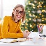 この記事では、ベストプレゼント編集部がwebアンケート調査の結果をもとに、大人に贈るクリスマスプレゼントとして人気の文房具を厳選しました。ランキング形式にまとめているので、人気のある文房具やブランドがひと目で分かります。それぞれの魅力をチェックして、クリスマスに贈りたい文房具を見つけましょう。
