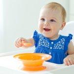 出産祝いでプレゼントを贈るとしたら、どんなものを考えますか。なかなか思いつく人が少ないのですが、実はベビー用の食器セットは育児デビューしたばかりのママたちから高い人気があります。赤ちゃんが離乳食を食べる期間は半年と短いため、次の子供が生まれた時に使えるよう、男女を問わない色合いやデザインが好まれます。 こちらでは人気のベビー食器を【2021年最新版】ランキング形式でまとめましたので、ぜひ最後までご覧ください。