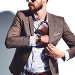 Dompet menjadi pilihan yang utama untuk menunjang gaya, baik lelaki maupun perempuan. Untuk itu, dompet selalu menghadirkan desain yang baru dan trendi. Baca ulasan BP-Guide berikut ini untuk mengetahui apa saja dompet kekinian untuk Pria di tahun 2018 ini.