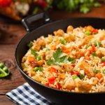 10 Rekomendasi Bumbu Nasi Goreng Instan dan Tips Sehat Memilihnya