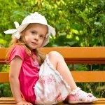 Orangtua terutama para ibu tentunya akan sangat senang jika bisa mendandani putrinya dengan baju anak cantik nan lucu. Untuk mendapatkan baju yang sesuai, Bunda bisa simak rekomendasi baju anak cantik yang dirangkum BP-Guide dalam artikel berikut ini!