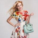 Wanita mana yang tidak suka dengan produk fashion yang satu ini? Ya, tas adalah salah satu benda yang paling penting untuk menunjang penampilan wanita. Kali ini BP-Guide akan membeberkan beberapa rekomendasi tas wanita cantik lengkap dengan tips memilihnya.