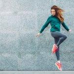 Olahraga memang identik dengan kenyamanan. Bukan berarti gayamu harus begitu-begitu saja. Biar makin semangat, kamu bisa lho mengaplikasikan tren sport fashion. Intip rekomendasi produknya di bawah ini.