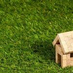 Jika Anda memiliki hunian yang minimalis, Anda tetap dapat memiliki ruang hijau baik di luar dan di dalam ruangan lho! Rekomendasi rumput sintetis dari BP-Guide ini bisa jadi inspirasi untuk mendekorasi ruangan dan hunian Anda supaya terlihat lebih asri!