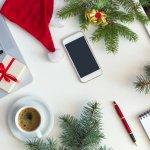 今回は、社会人の彼氏や旦那さん、同僚や上司などにクリスマスプレゼントを渡そうと考えている人のために、おすすめのアイテムをランキング形式でご紹介します。毎年人気のクリスマスプレゼントについてリサーチを重ねている編集部が、webアンケート調査などに基づいて贈り物にぴったりのアイテムを厳選しました。これを読めば、社会人男性が持っておくべきものや、もらって嬉しいプレゼントが丸わかりです。