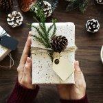 Natal akan segera tiba dan tentunya hadiah untuk orang tersayang termasuk untuk ayah sudah harus disiapkan. Bingung harus memberi hadiah apa di momen Natal ini? Simak tips dan rekomendasinya berikut!