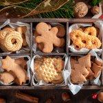 Perayaan Natal sangat identik dengan kue-kue manis yang membuat kesan Natal juga menjadi manis. Macam-macam kue Natal juga selalu tersedia sebagai sajian favorit keluarga. Bagaimana dengan Anda? Apa kue Natal yang paling Anda suka?