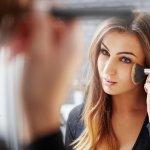 Makeup high end adalah salah satu jenis makeup yang banyak digemari wanita berkocek lebih karena selain eksklusif, makeup high end juga punya kualitas yang tak main-main. Penasaran dan ingin coba? Simak rekomendasi BP-Guide berikut ini!