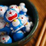 Kalau kamu seorang penggemar Doraemon, sudah berapa banyak koleksi barang Doraemon yang kamu miliki? Pastinya kamu selalu jatuh cinta dong dengan aneka barang bertema Doraemon? Kalau begitu, intip yuk berbagai rekomendasi barang Doraemon dari BP-Guide untuk penambah koleksi di rumah atau untuk kado.