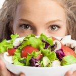 Untuk mewujudkan mimpi memiliki tubuh yang langsing dan sehat, maka pola makan juga harus diatur dan jumlah kalori yang masuk ke dalam tubuh pun perlu diperhatikan. Tak perlu bingung, Anda bisa menggunakan ide menu sehat berikut ini agar tubuh selalu sehat.