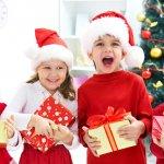 Bagi anak, Natal identik dengan kisah-kisah Santa Claus yang memberikan kado impian untuk anak-anak. Faktanya, Andalah yang harus menggantikan peran Santa Claus demi keceriaan mereka di hari Natal. Itu sebabnya BP-Guide akan membantu Anda dengan 10 ide kado Natal untuk anak, seperti ulasan berikut!