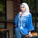 Baju atasan wanita muslim memang tidak susah dicar. Ada banyak sekali jenis yang bisa kamu coba. Ada tunik, blus, kaos lengan panjang, hoodie, dan lain sebagainya. Aneka atasan muslim tersebut tentu bikin kamu jadi lebih simpel berpakaian. Kamu bisa memadu padankan atasannya dengan rok ataupun celana. Nah, simak rekomendasi dari kami!