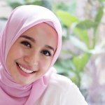 Tren Hijab 2018 Makin Fashionable, Inilah 10 Fashion Hijab dari Artis Indonesia yang Banyak Menginspirasi para Hijabers