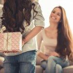 Tak Perlu Bingung, Ini 10 Hadiah Untuk Hari Ibu Yang Murah Dan Spesial