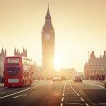 Bicara tentang wisata ke luar negeri, tentunya akan banyak yang memimpikan berkunjung ke kota satu ini. London, dengan segala keramahan dan keindahannya. Seni, olahraga, dan wisata berpadu dengan menarik di kota tua ternama di dunia. Nah, kalau berkunjung ke London, jangan lewatkan untuk membeli oleh-oleh, ya. Berikut rekomendasi oleh-oleh London dari BP-Guide.