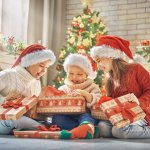 小学生の女の子に贈る人気のクリスマスプレゼント30選!1年生〜6年生の女子におすすめのギフトをご紹介【2020年最新】