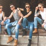 Jeans adalah salah satu fashion item wajib yang dimiliki oleh pria. Tampilan kasual, semi formal, bahkan untuk acara khusus pun cocok mengenakan jeans. Setidaknya, pria harus memiliki lebih dari satu jeans. Nah, kalau kamu ingin menambah fashion item satu ini, simak rekomendasi BP-Guide.