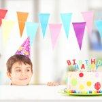 小学生の男の子にとって、誕生日は特別な日。そんな嬉しい日には喜ぶメッセージを贈って、誕生日をより一層思い出深いものにしましょう!いつまでも温かく心に残るメッセージを書くコツなどをチェックして、素敵なバースデーを迎えてくださいね。