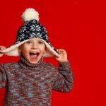 Mengajak anak liburan ke luar negeri saat musim dingin boleh-boleh saja. Namun, jangan lupa jaga kondisi badan anak agar tetap hangat. BP-Guide akan memberikan rekomendasi sweater lucu dan kece yang wajib dibawa untuk menghangatkan tubuh si kecil.