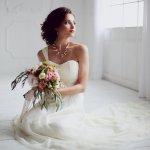 10 Inspirasi Tren Gaun Pernikahan yang Cantik dan Kekinian (2019)