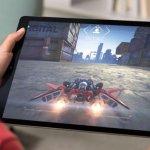 Tablet menawarkan layar yang lebih besar untuk kepuasan bermain game. Jadinya, Anda bisa mempertimbangkan untuk menggunakan tablet menggantikan smartphone Anda. Selain bermain game, juga ada banyak kelebihan tablet. Berikut ulasan dan rekomendasi produk yang tepat untuk Anda.