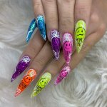 These days, merely painting your nails red isn't really enough anymore; there are some brilliantly creative designs out there to transform your nail painting into real nail art with the tools recommended below. Take a peek at these simple nail art tutorials that are perfect for beginners and dip your toes (or hands) into them.