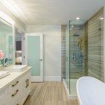 Sedang memerlukan rak untuk kamar mandi? Coba pertimbangkan rak kamar mandi yang minimalis dan bisa dengan mudah dipasang. Berikut ini, BP-Guide akan memberikan rekomendasi produk dan tips menjaga kebersihan kamar mandi. Jadi, simak dulu, yah.