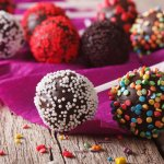 Baking is an art and it takes effort to master it. For all those bakers who want to take their baking skills to the next level, we present this complete guide on how to make cake pops at home. We assure you, you wouldn't stop at only one batch of this mouth-watering delicacy!