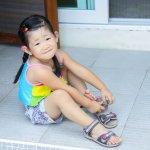 Sandal jadi salah satu alas kaki favorit anak-anak. Untuk bermain di sekitaran rumah, liburan, hingga untuk bersantai, sandal akan jadi alas kaki yang tepat untuk melindungi kaki buah hati. Desain sandal sangat beragam sehingga anak bisa lebih leluasa memilih sandalnya sendiri. Nah, simak yuk, pilihan rekomendasi sandal anak dari kami!