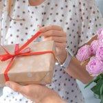 この記事では、女子大生へ誕生日プレゼントを贈りたいけれど様々な選択肢があって悩んでしまうという方へ向けて、おすすめのアイテムをご紹介します。webアンケートなどの調査結果をもとに、本当に人気のある商品のみを編集部が厳選してランキングにまとめました。それぞれの特徴や魅力のほか、相手の好みやニーズに合った商品を見つけるために役立つ情報が満載です。