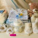 Menjelang HPL, para ibu akan semakin tidak sabar untuk segera bertemu dengan si buah hati. Namun, jangan sampai lupa untuk menyiapkan hospital bag yang berisi keperluan ibu dan bayi saat persalinan nanti. Untuk si kecil, ada 5 perlengkapan yang penting untuk dibawa. Sudahkah Anda menyiapkannya?
