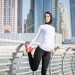 Berhijab tidak menjadi halangan bagi wanita muslim untuk tetap terlihat keren dan modis kapan saja dan di mana saja, termasuk saat berolahraga. Anda yang sedang bingung memilih celana olahraga yang tepat bisa simak beberapa rekomendasi celana lari wanita pilihan BP-Guide berikut ini yang cocok untuk wanita berhijab.