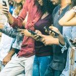 Tak bisa dipungkiri, bahwa kemajuan teknologi berakibat pada perubahan pola konsumsi seseorang. Jika dulu orang bisa menggunakan handphone selama bertahun-tahun, kini dalam setahun ada orang yang bisa berganti-ganti handphone hanya dengan alasan bosan dan ingin menambah fitur yang lebih canggih. Lalu apa jadinya dengan handphone lamanya? Biasanya dijual selama harganya masih tinggi. Ingin tahu handphone apa saja yang harga jualnya masih tinggi di pasaran? Simak di artikel ini selengkapnya.