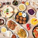 Buka puasa tentu jadi momen yang paling ditunggu saat bulan Ramadhan. Nah, jika Anda ingin menyiapkan menu buka yang istimewa, tidak ada salahnya cek resep dan rekomendasi BP-Guide berikut ini!