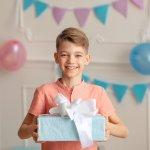 Khi trẻ lớn lên thì tính cách và sở thích cũng dần rõ nét. Trẻ sẽ vui thích hơn khi nhận được những món quà đúng với sở thích của mình. Bài viết hôm nay của Bp-guide sẽ giới thiệu đến bạn những gợi ý quà tặng thú vị, thích hợp dành cho các bé trai 8 tuổi. Mời bạn cùng tham khảo ngay nhé!