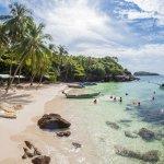 Salah satu tempat wisata yang dapat dikunjungi bagi turis Indonesia adalah Vietnam. Selain karena kemudahannya tidak memerlukan visa, Vietnam pun memiliki beberapa spot yang menarik untuk dikunjungi, salah satunya adalah pantai. Apa saja? Mari simak ulasan berikut ini!