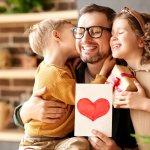 Bạn còn đang băn khoăn chưa biết nên lựa chọn món quà nào cho bố nhân dịp sinh nhật? Vậy thì còn chần chừ gì nữa, hãy tham khảo bài viết dưới đây để bỏ túi ngay 10 gợi ý cách làm quà tặng sinh nhật cho bố khiến bố bất ngờ (năm 2021) nhé!