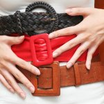 Jangan lupakan ikat pinggang untuk melengkapi penampilanmu. Seperti aksesori lain, ikat pinggang juga memiliki berbagai jenis model dan berbagai material. Dengan begitu kamu jadi lebih mudah mengombinasikannya dengan pakaian yang dikenakan. Inilah berbagai model ikat pinggang yang bisa kamu pilih.