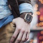 Jam tangan jadi salah satu aksesori yang disukai baik oleh pria maupun wanita. Tidak hanya berfungsi menunjuk waktu, jam tangan juga bisa menunjang penampilan sehari-hari. Terlebih, saat ini jam tangan hadir dalam beragam material juga didukung dengan fitur-fitur canggih dan bisa disesuaikan dengan kebutuhan Anda. Untuk mendapatkan jam berkualitas, tidak perlu merogoh kocek terlalu dalam. Anda bisa membeli jam dengan harga sekitar Rp 200 ribuan seperti dalam referensi berikut ini.