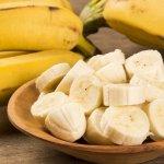 Siapa sih yang tidak tahu buah pisang? buah yang kaya potassium ini dikenal banyak sekali manfaatnya untuk kesehatan. Ternyata, selain untuk menambah energi pisang juga bermanfaat untuk diet alami lho. Berikut BP-Guide akan mengulas tentang 10 manfaat pisang untuk diet alami dan sehat beserta rekomendasi olahan pisang.