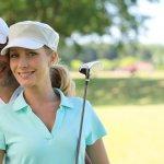パートナーがゴルフが大好きだったり、夫婦でゴルフを楽しんでいるのであれば、結婚記念日のプレゼントにゴルフグッズを選んでみてはいかがでしょうか?今回は、結婚記念日のプレゼントに人気のおしゃれなゴルフグッズを【2017年度 最新版】としてランキング形式にまとめました。また、結婚記念日に贈る際のゴルフグッズの選び方のポイントや予算相場、体験談もまとめましたので、ぜひ参考にしてください。
