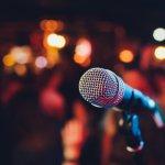 Jangan biarkan pandemi menghambat hobi bernyanyi Anda. Tak perlu ke studio karaoke, Anda bisa mengubah rumah menjadi tempat terbaik untuk bernyanyi dengan memilih mic karaoke yang tepat. Ini dia 10 mic karaoke terbaik yang cocok untuk menemani hobi bernyanyi Anda di rumah.