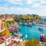 Turki adalah salah satu negara di perbatasan Asia dan Eropa yang menarik untuk dikunjungi. Ada berbagai tempat eksotis yang menawarkan pengalaman wisata berbeda. Kalau punya kesempatan jalan-jalan ke Turki, jangan lupa sempatkan mampir ke tempat-tempat berikut.