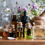 Penggunaan minyak aromaterapi akhir-akhir ini semakin marak saja. Minyak dengan bau wangi ini banyak digunakan untuk meredakan gangguan kesehatan ringan dan menenangkan pikiran. Yuk, simak rekomendasi minyak aromaterapi terbaik dari BP-Guide berikut ini.
