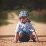 Si kecil pasti akan lebih percaya diri mengeksplorasi dunianya saat pakaiannya nyaman. Tak hanya nyaman, tetapi juga harus keren. Intip rekomendasi baju keren untuk anak di bawah ini, ya!