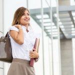 働く女性へのプレゼントに、ビジネスファッションを格上げしてくれる軽量ビジネスバッグが人気です。おすすめの大容量タイプや自立式のものをはじめとした軽量ビジネスバッグの「2019年最新情報」をご紹介します。ぜひ素敵なバッグを贈る際の参考にしてください。